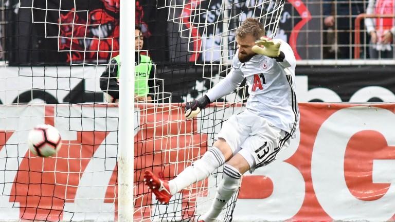 ЦСКА остана без вратари за контролата с Арис