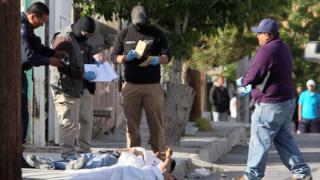28 души убити в гангстерска престрелка в Мексико