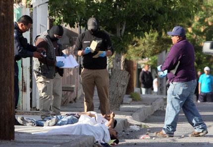Разстреляха 28 души в Мексико
