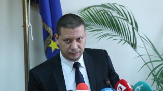 Илиан Тодоров чака 10 месеца отговор от институциите за пътищата в Софийска област