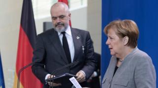Албания няма да плаче пред вратата на ЕС за приемането си
