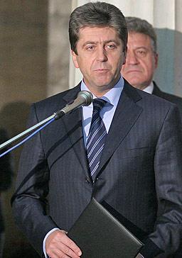 Първанов готов със схемата за политическия си проект