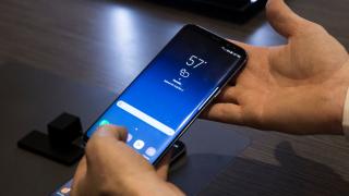 Samsung пуска конкурента на iPhone X през януари