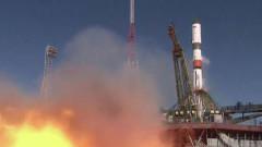 """Ракета-носител """"Союз"""" с товарен кораб """"Прогресс МС-11"""" излетя към МКС"""