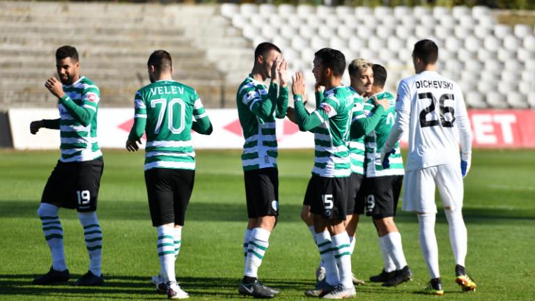 Черно море с група от 18 футболисти за мача със Славия
