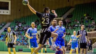 Локомотив (Вн) остана единственият отбор без поражение в хандбалното първенство