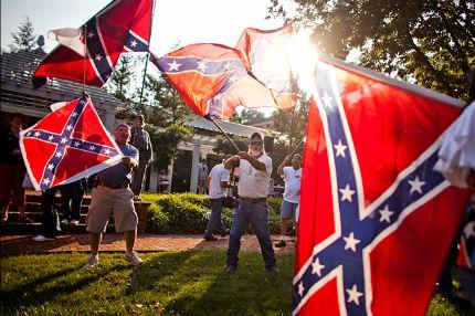 Мисисипи запазва конфедеративния флаг въпреки исканията за свалянето му