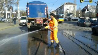 Всички улици в София вече са измити по два пъти, доволна общината