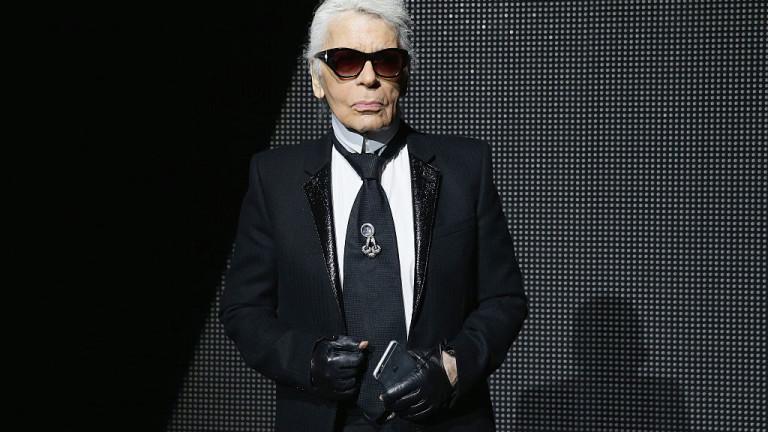 Когато Карл Лагерфелд започва да прави дрехи за Chanel през