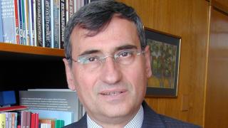 Почина професор Богдан Богданов