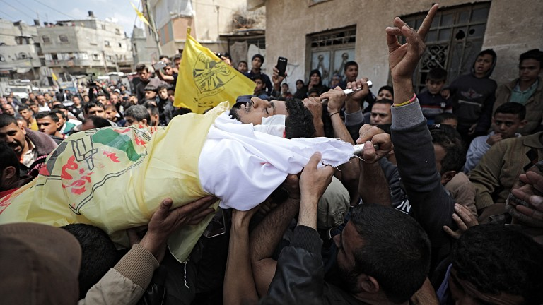 Израел отстрелва бягащи палестинци в гръб