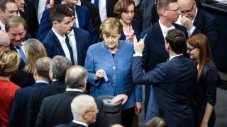 Бундестагът удължи до март 2018 г. германските военни мисии в чужбина