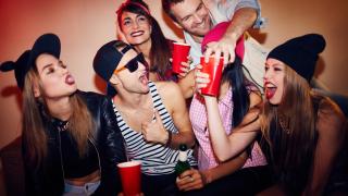 Тревожно! Младите прекаляват с анаболите, алкохола и дрогата