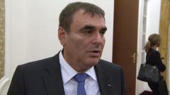 """Успокоиха железничарите – без """"груби"""" съкращения в БДЖ"""