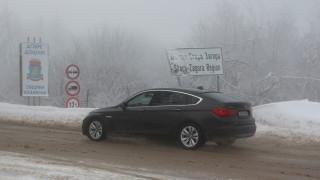 Или сняг, или дъжд по пътищата на страната