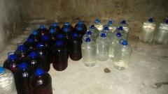 Митничари откриха тайна изба с половин тон нелегален алкохол в Карнобат
