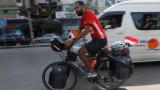 Ентусиаст тръгна с колело за Световното в Русия