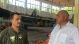 Борисов очаква скоро да започне ремонтът на изтребителите Су-25