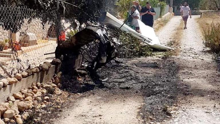 Най-малко петима загинали след като вертолет и малък самолет се