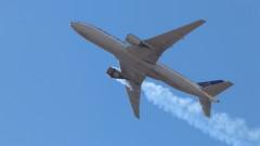 Великобритания временно забрани полетите с пътнически самолет Боинг 777
