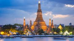 Серия от нападения в Тайланд след подписването на новата конституция