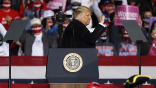 Ескперт: Ако резултатът от изборите в САЩ се оспорва, борсите ще се сринат