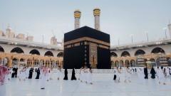 И Саудитска Арабия затвори границите