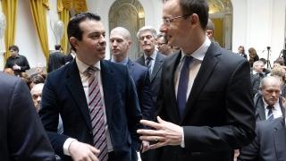 НАТО трябва да отвори вратата за Македония и Грузия, поиска Будапеща