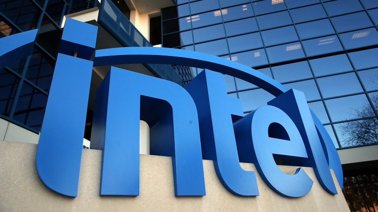 Apple иска част от бизнеса на Intel