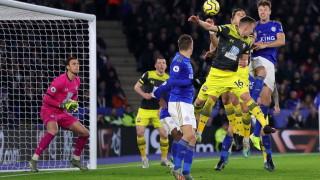 """ВАР скъса нервите на Лестър, отмени три гола на """"лисиците"""" и поднесе победата на Саутхямптън"""