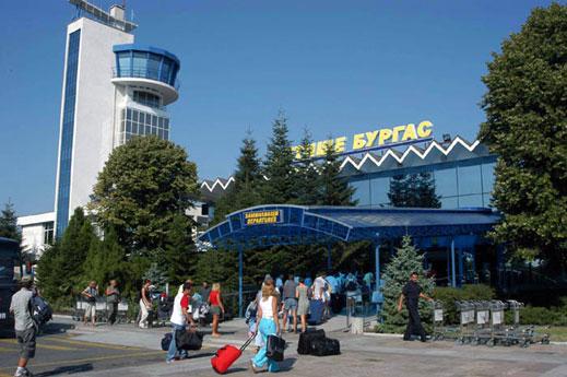 Наливат по €10 млн. в двете морски летища