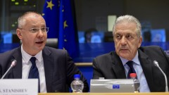 Станишев се обяви против поетапно влизане в Шенген