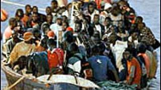 Намериха телата на 13 имигранти край Канарските острови