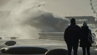 Силни ветрове достигащи до 160 км в час, удариха много части на Западна Европа
