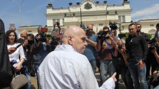 Слави Трифонов се зае да разобличава лъжите на ГЕРБ с дати и факти