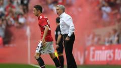 Милан ще се пробва за халф на Манчестър Юнайтед през януари