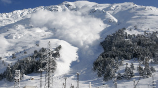Лавина затрупа млад сноубордист на Пирин