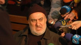 Имами излизат на протест срещу Недим Генджев