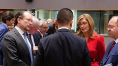 Екатерина Захариева: Решаващо за кризата в Либия е спазването на оръжейното ембарго