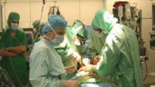 Чуждестранни хирурзи спасиха деца с тежка инвалидност