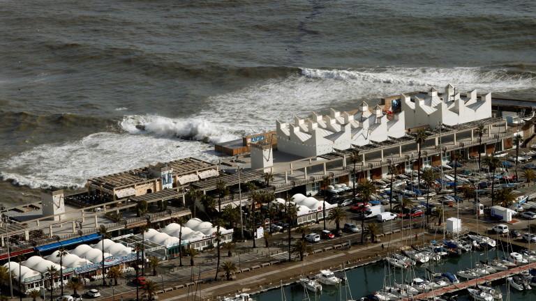 Най-любимите на туристите места в Испания са пострадали силно от