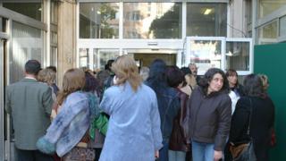 Учители обмислят саботиране на изборите