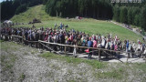 Опашка от хиляди туристи се изви за лифта към Рилските езера