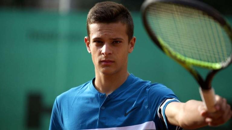 Един от талантите на българския тенис Симеон Терзиев се подготвя