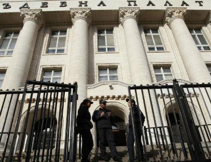 Пребит арестант почина в Съдебната палата