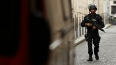 Въоръжена полиция блокира Дижон след сблъсъци на чеченци и африканци