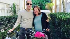 Новозеландска министърка стигна до родилното отделение с велосипед