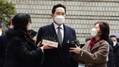"""Наследникът и шеф на """"Самсунг"""" осъден на 2,5 г. затвор"""