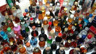 1044  бутилки алкохол без бандерол откриха в склад на едро