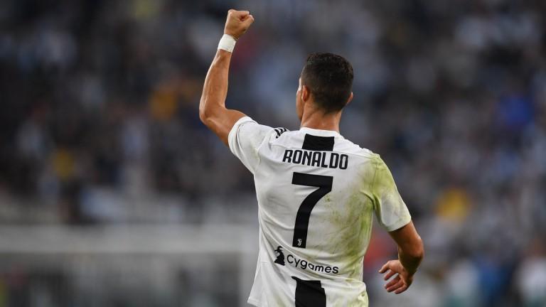Роналдо напуснал Реал (Мадрид) заради Перес